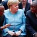 Für die Geschäfte deutscher Unternehmen hofiert die Kanzlerin auch Diktatoren (Spiegel)